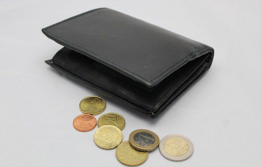 Контролировать финансовые средства